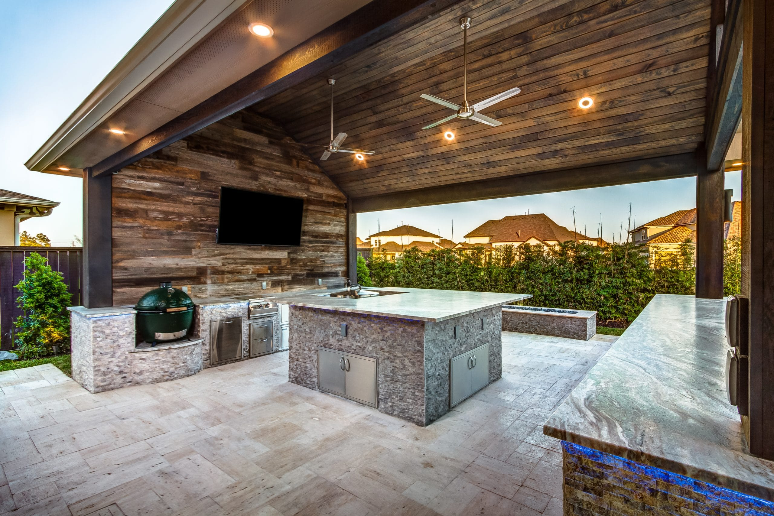 5 Natural-Looking Stones Perfect For Outdoor Kitchens